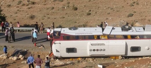 راننده اتوبوس خبرنگاران بازداشت شد / مسئولین آذربایجانغربی این حادثه را تسلیت گفتند