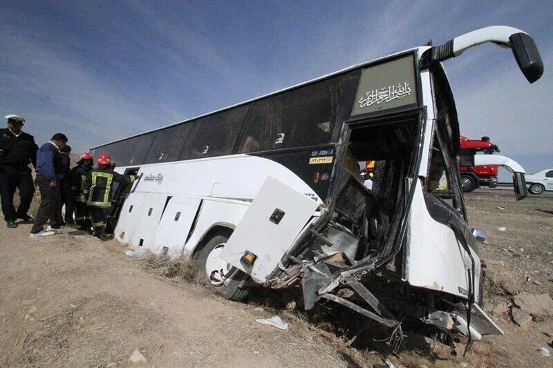 چپ کردن اتوبوس در جاده هراز ۳ فوتی و ۳۹ زخمی به جا گذاشت