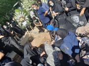 تشییع پیکر دو خبرنگار ایرنا و ایسنا در قطعه نامآوران بهشت زهرا/ تصاویر