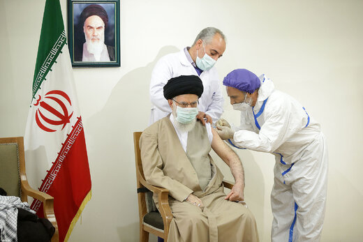 شعر کیهان درباره تزریق واکسن ایرانی کرونا به رهبر انقلاب