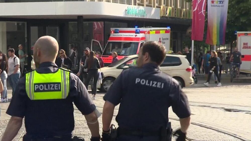 ببینید | لحظه حمله مرگبار با چاقو در آلمان؛ ۹ کشته و مجروح