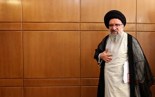احمد خاتمی: مشروعیت دینی رئیس جمهور منتخب از سوی ولی فقیه انجام میپذیرد