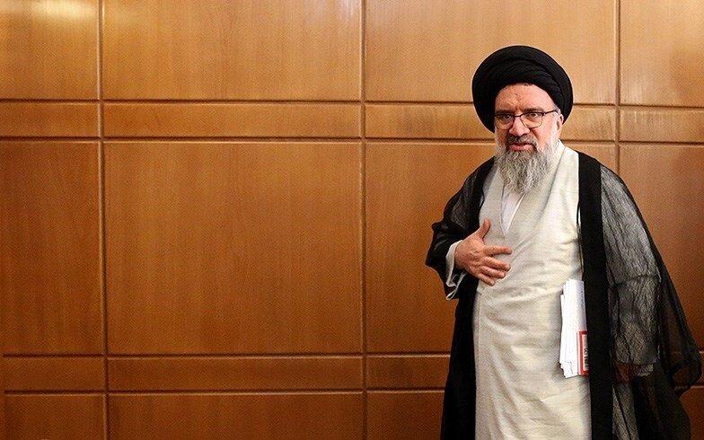 تعیین تکلیف احمد خاتمی برای دولت رئیسی: استاده از اینترنت را محدود کنید