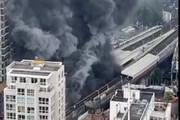 ببینید | تصویر هولناک از لحظه آزاد شدن شعله آتش از مترو لندن