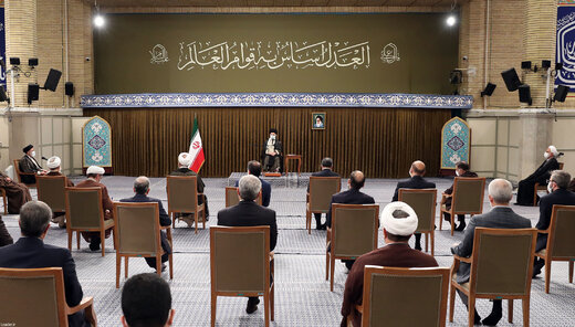 Supreme Leader receives Iran's Judiciary officials