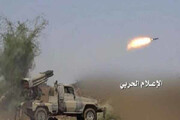 ببینید | لحظه هدف قرار گرفتن خودروی ارتش سعودی با موشک
