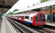 ببینید | ویدیویی تکاندهنده از تلاش ناکام برای نجات یک مرد در متروی لندن