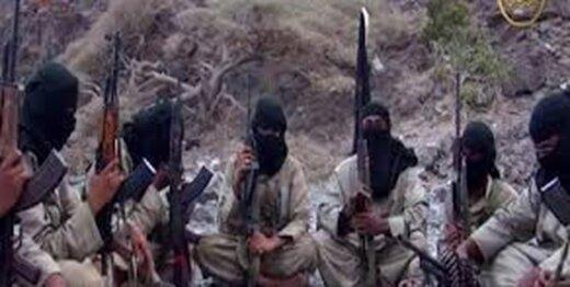 القاعده،یک جوان یمنی را سر برید