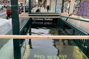 ببینید | سیلاب بیسابقه در متروی نیویورک