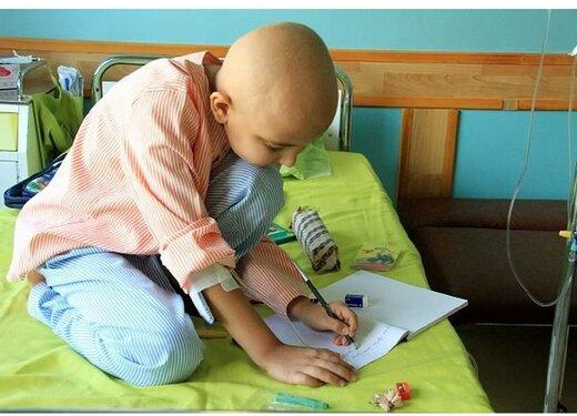 دخترِ کوچکی که مبارزهاش با سرطان را یک کتاب کرد