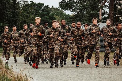 ببینید | متفاوتترین تمرین فوتبال در جهان؛ آرایش نظامی در مستطیل سبز