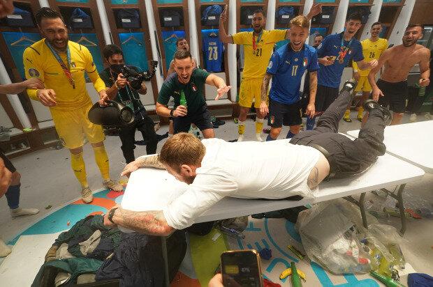 خوشحالی عجیب اسطوره ایتالیا پس از قهرمانی در یورو/عکس