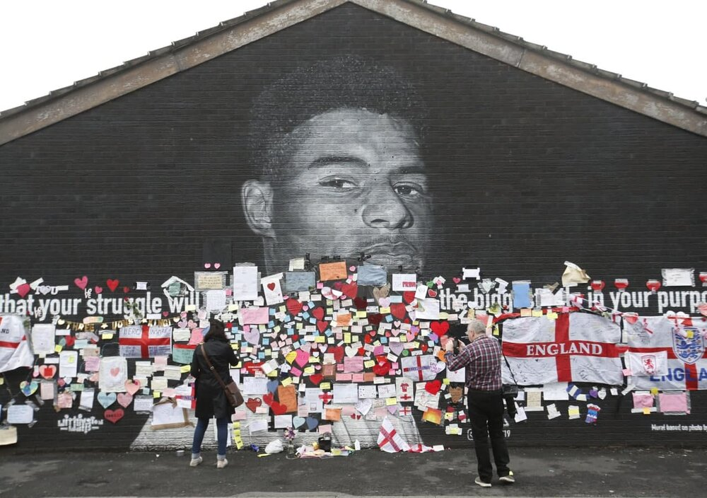 زخم نژادپرستی بر صورت فوتبال