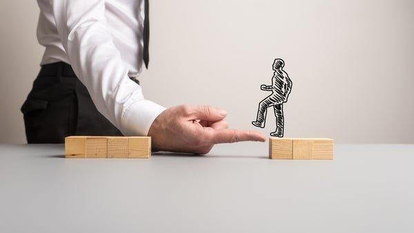 آیا واقعاً بیزینس کوچینگ به رشد کسب و کارم کمک میکند؟ چطور؟