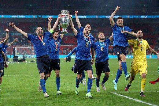 ببینید | روایتی متفاوت از یورو ۲۰۲۰؛ بازیکنانی که پرچم بر تن کردند و جنگیدند