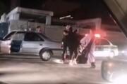 ببینید   دعوا و بزنبزن ۴ دختر در خیابانی در کرمان!