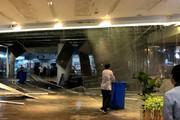 ببینید | وحشت در مرکز خرید؛ ریزش سقف فروشگاه بر اثر بارش باران