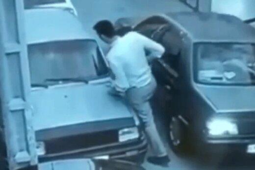ببینید | زیر گرفتن پلیس توسط چند سارق در مشهد!