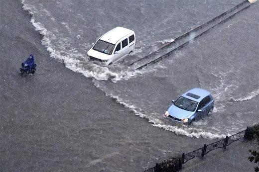 ببینید   تصاویری وحشتناک از ماشینهای شناور در خیابانهای چین پس از سیل