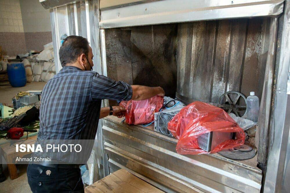 عکس | نانوایی که به جای نان، ارز دیجیتال استخراج میکرد!