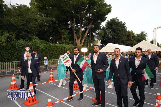 رژه کاروان ایران در افتتاحیه المپیک توکیو