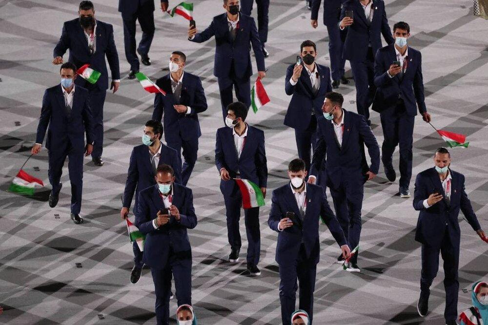 ماسکهای لنگهبهلنگه کاروان ایران در رژه مراسم افتتاحیه!/عکس