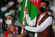 عکس | لباس زیبا و با اصالت پرچمدار افغانستان در المپیک