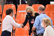 عکس |  همسر رئیس جمهوری آمریکا در مرکز بازیهای آبی المپیک توکیو