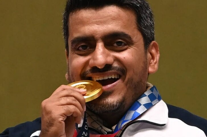 فروغی:تصویر مدال طلا را در پروفایلم گذاشته بودم