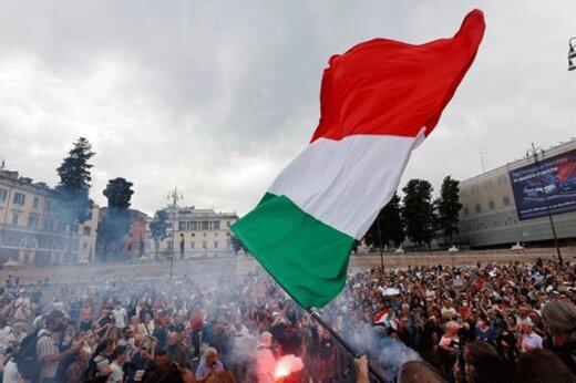 ببینید   اعتراض ایتالیاییها به سیاستهای کرونایی دولت