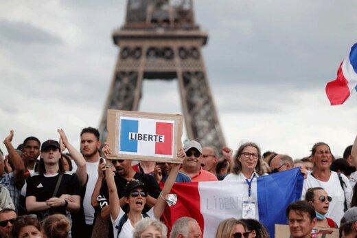 ببینید | فرانسه درگیر آشوب کرونایی؛ مخالفت عجیب مردم با تزریق واکسن!