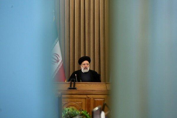 بازگشت یاران دیروز احمدی نژاد به پاستور /کابینه فراجناحی کنار زده شد