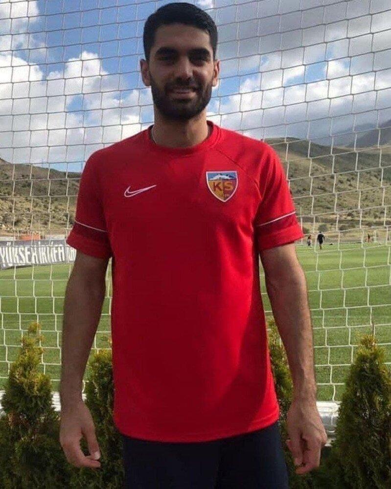 علی کریمی در تمرین تیم ترکیهای/عکس