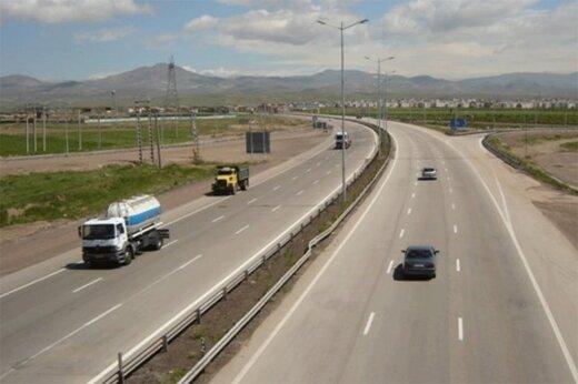 عکس | تصاویر دلخراش از صحنه تصادف پژو ۲۰۶ در آزادراه پردیس