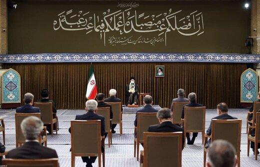 واکنش به ادعای تاخیر حضور روحانی در جلسه با رهبر انقلاب /به تک تک وزرا قرآن اهدا شد /بخاطر کرونا امکان ثبت عکس یادگاری با رهبری نبود