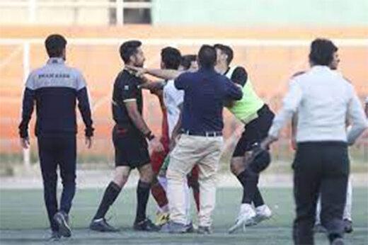 ببینید | روز سیاه فوتبال؛ کتککاری وحشیانه در لیگ امید فوتبال کرج!