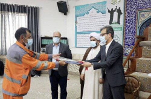 عیدانه شرکت عمران، آب و خدمات کیش به بیش از هزار کارگر خدمات شهری