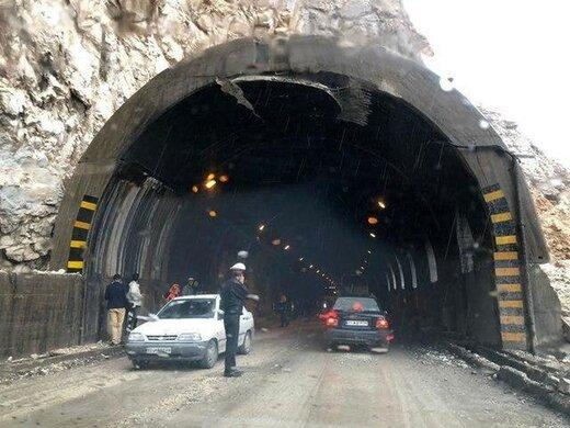 جزییات سانحه ریزش دهانه تونل جاده هراز/ خودروها چقدر محبوس ماندند؟