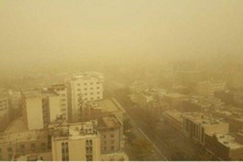 گردو غبار هوای همدان را ناسالم کرده است
