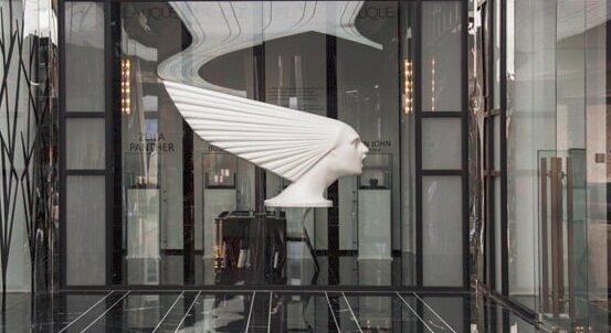 یک مرکز خرید در تهران که اجناسش را به یورو میفروشد!
