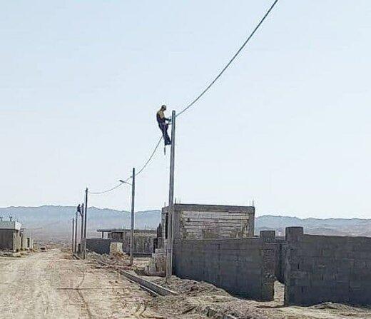 توسعه شبکه توزیع برق روستایی در منطقه طرود شهرستان شاهرود