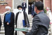 ببینید | لحظه تحویل دفتر ریاست جمهوری به رئیسی توسط روحانی