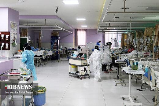 ماجرای چمنخوابی اطراف بیمارستانهای کرونایی/ نوعی دیگر کرونا بیخ گوش ایران