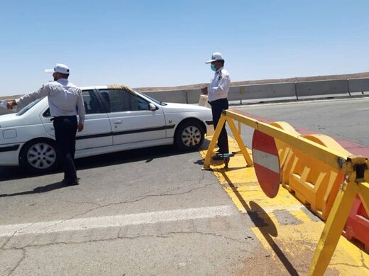 پلیس جلوی عبور خودروهای غیربومی به مرز مهران را میگیرد