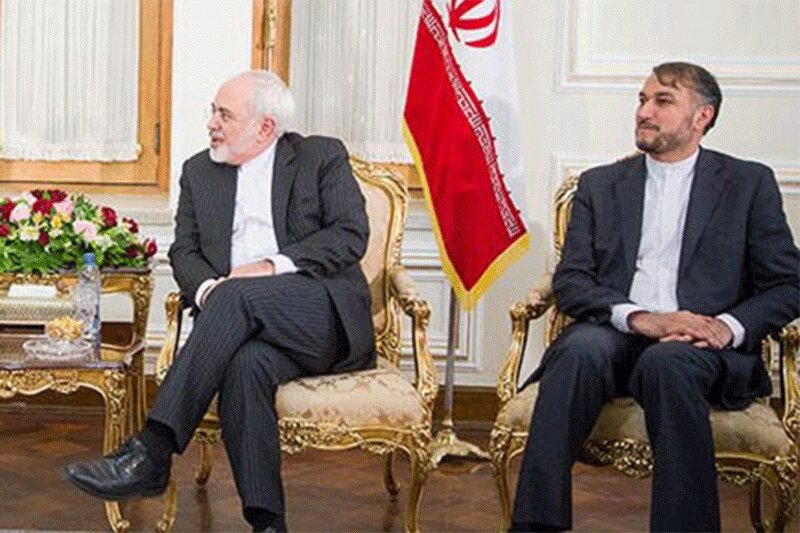 ببینید   نگرانی عنابستانی از همکاری سابق وزیر پیشنهادی امور خارجه با ظریف و لاریجانی!