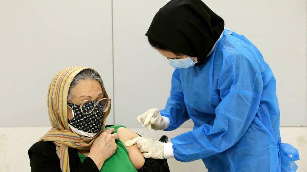 کلاهبرداری از راه تزریق واکسن تقلبی کرونا گیر افتاد