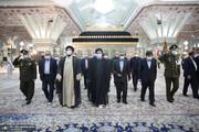 تصاویر | تجدید میثاق رئیس جمهور و اعضای دولت سیزدهم با آرمان های بنیانگذار انقلاب