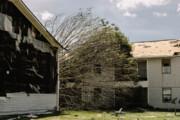ببینید | تصاویر هولناک از دوربین مدار بسته؛ قبل و بعد از ورود طوفان ایدا