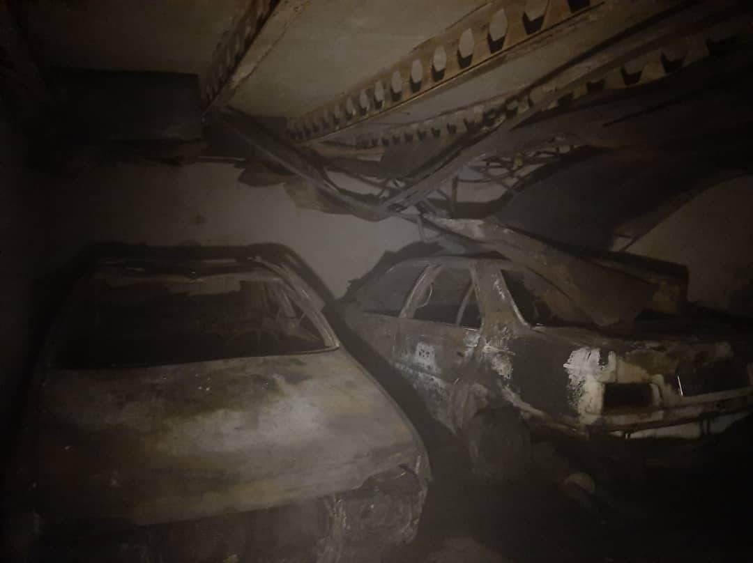 آتش سوزی مجتمع تجاری-مسکونی ۱۷ طبقه در خیابان آزادی/ عکس