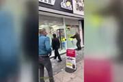 ببینید | حرکت عجیب صاحب فروشگاه با تخریب اموال شخصی